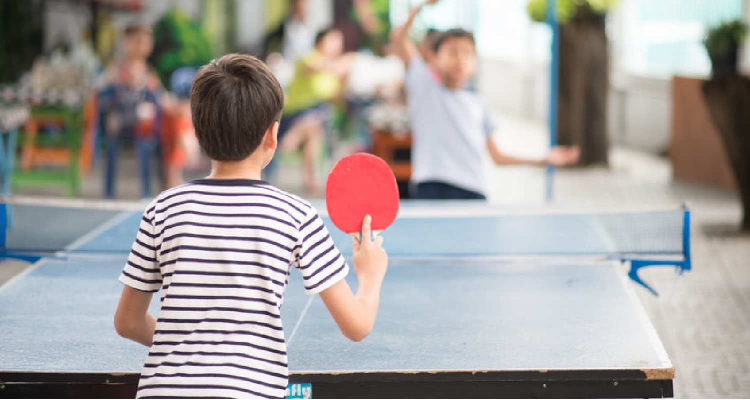 How to hold a ping pong paddle - Shakehand Grip