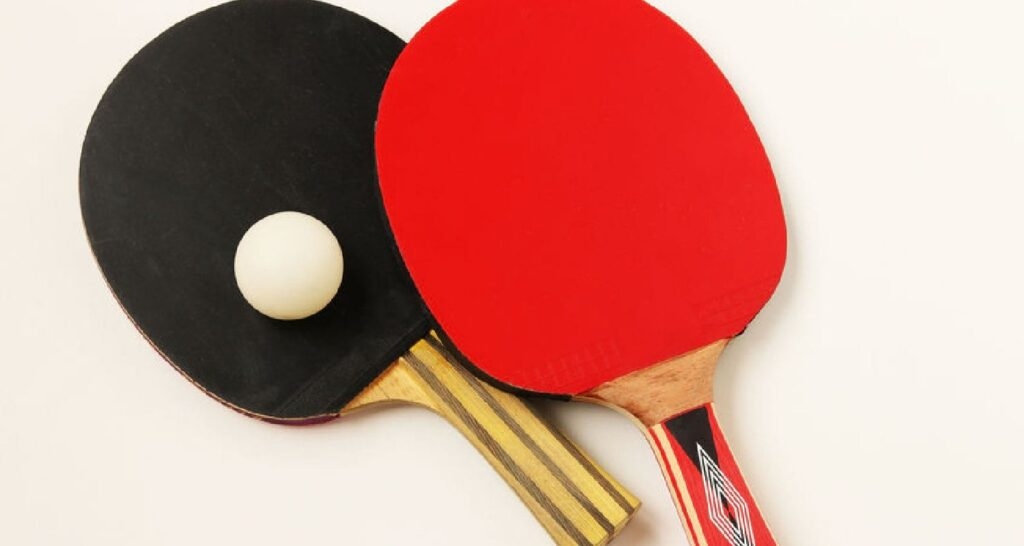 How to clean a ping pong paddle - Featured