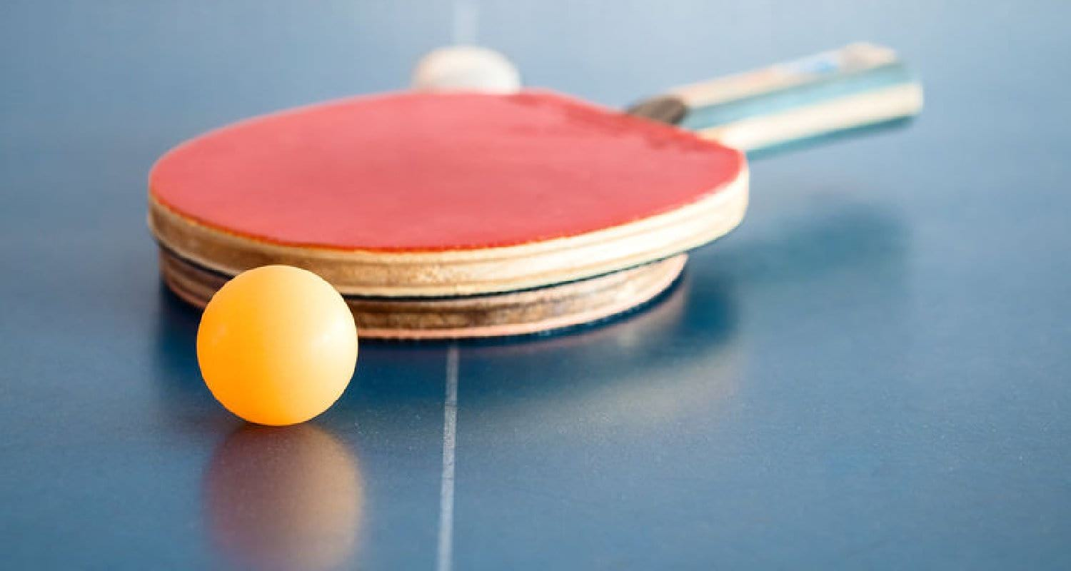 How to clean a table tennis paddle